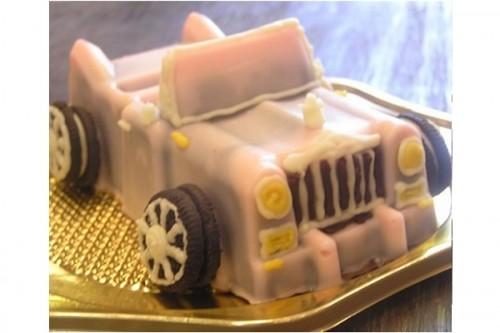 ピンクロールスロイスのケーキ 4号 12cm