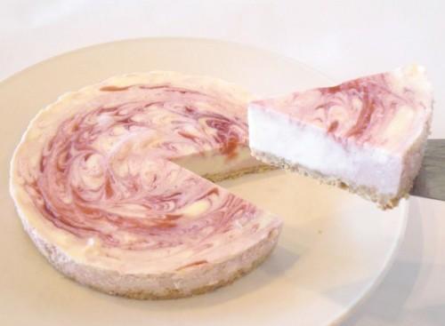苺のレアチーズケーキ 4号 12cm