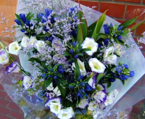 おまかせ!紫、ホワイト系花束プレゼント 花 ギフト21【お急ぎ便対応】【敬老の日 誕生日 開店祝い】