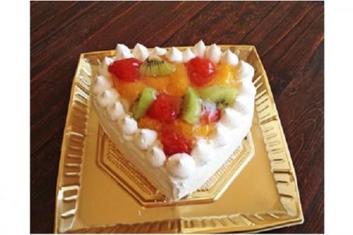 ハートのフルーツデコレーションケーキ 5号 15cm
