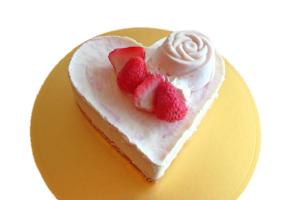 ハートのいちごレアチーズケーキ 5号 15cm
