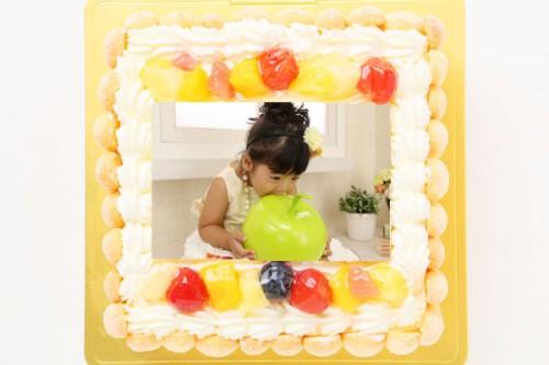 ビスキュイ付き!スクエア型フォト生クリームデコレーションケーキ 15cm