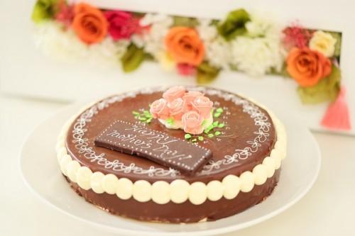 母の日 昔懐かしいチョコレートデコレーションケーキ 6号 18cm