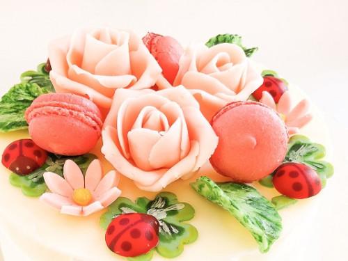 幸せのシンボルとお花の生チョコ 5号 15cm