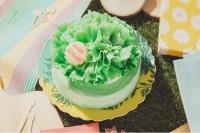 まるで本物!カーネーションケーキ【グリーン】4号 ばなな 12cm