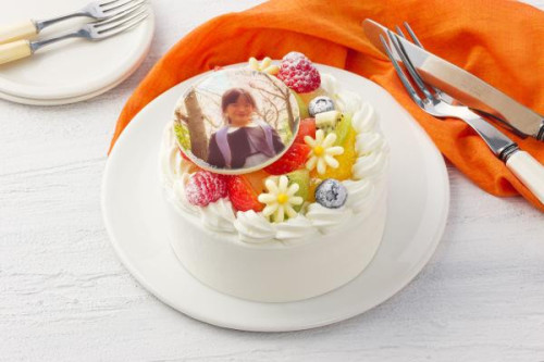 写真ケーキ 7種類の果物をふんだんに使用したフルーツいっぱいショート 4号 12cm