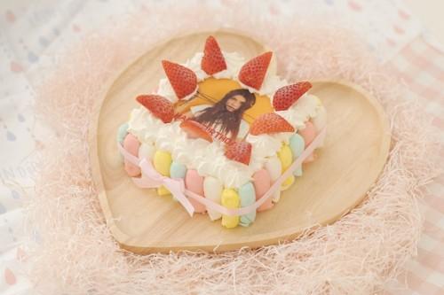 苺のカラフルフォトケーキ 15x15cm