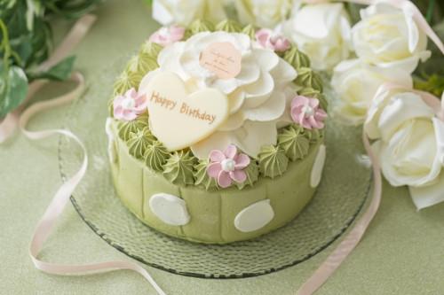 抹茶とホワイトチョコのお花ケーキ 4号 12cm