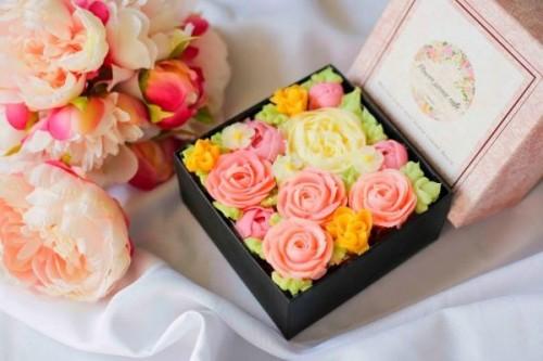オリジナルボックスフラワーケーキ【Romantic Pink】