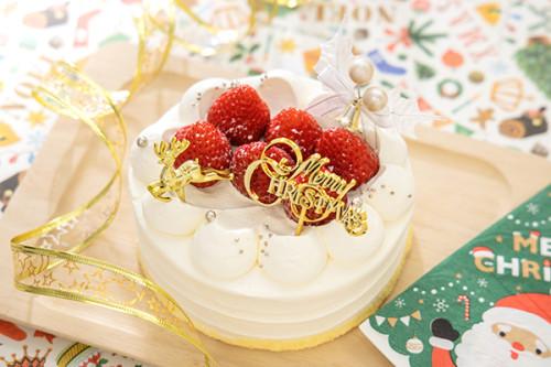 クリスマスケーキ2020 純生100%甘さ控えめで ふわっふわの 生デコクリスマス 4号
