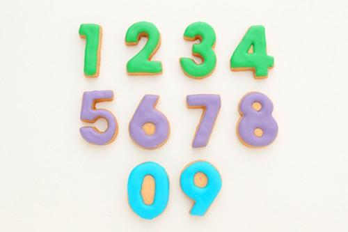 色が選べる数字のアイシングクッキー 1枚
