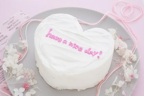 韓国ケーキ 4号 ホワイト ハートのメッセージケーキ 12cm