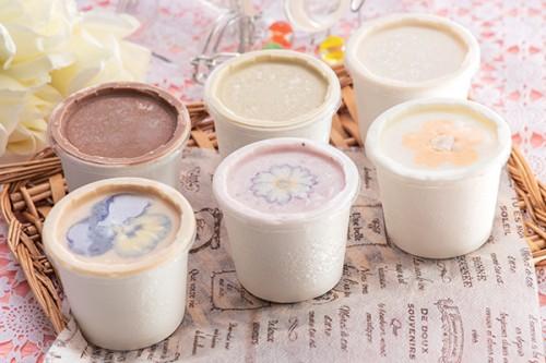 ホワイトデー2020 アイスセット(ピスタチオ、ほうじ茶、ロイヤルミルクティー、パンナ、ココア、苺) 6個