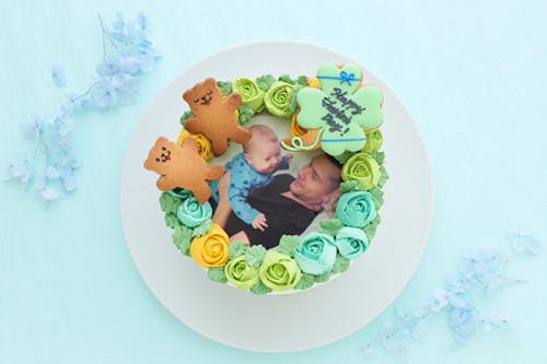 クローバーとクマちゃんが幸せを届ける エレガントなフォトフラワーケーキ 5号 15cm