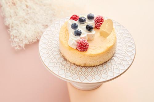 クリスマスケーキ2020 チーズケーキ ガトー・オ・フロマージュ・デコ 4号 12cm