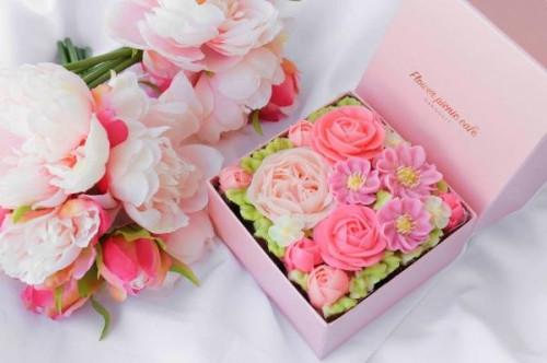 『食べられるお花のケーキ』【Blossom Pink】Premiumボックスフラワーケーキ