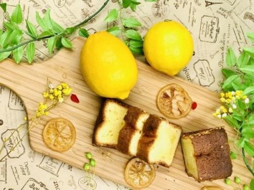 瀬戸内レモンとアーモンドのパウンドケーキ
