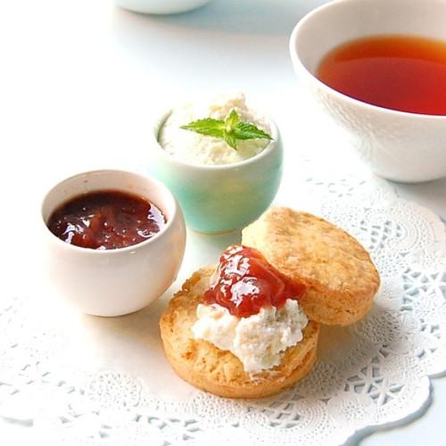 クリームティーセット プレーンスコーン12個、クリーム、ジャム、紅茶付き ホワイトデー2021