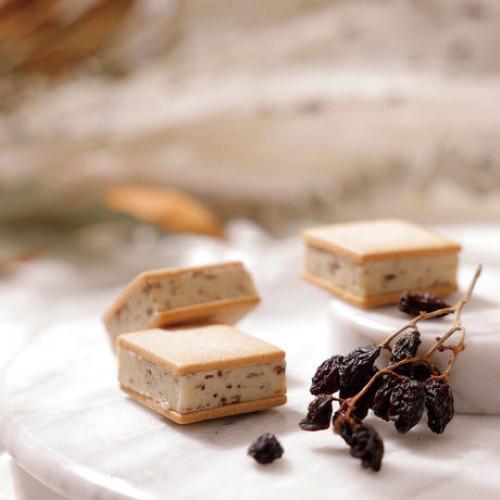 ≪sign≫CHOCOLATE SAND CHIYOCO 4個入~生チョコレートをたっぷりとサンドした贅沢な一品~