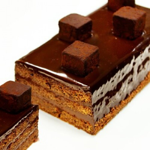 洋酒の効いた大人の生チョコケーキ