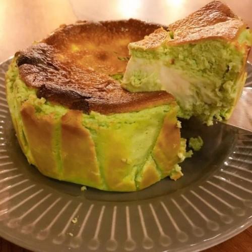 Princess Basque Pistachio Cake 4号