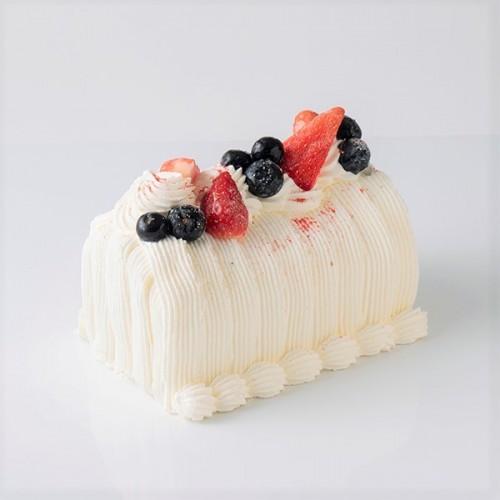 苺のふんわりふわりロールケーキ