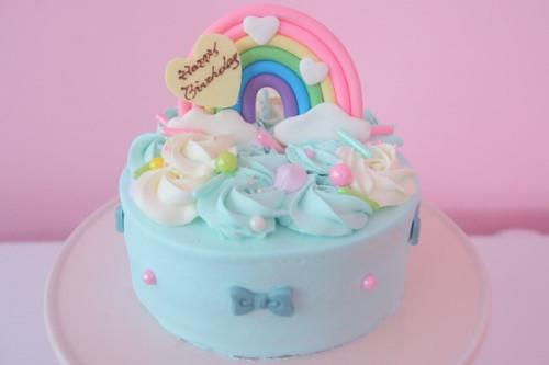 虹のキラキラパールケーキ