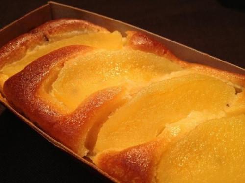青森県の林檎を使ったパウンドケーキ