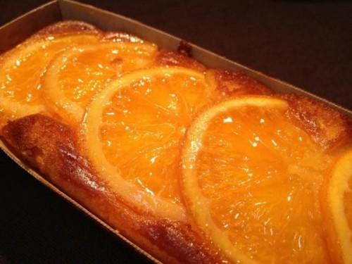 旬のオレンジを使用したパウンドケーキ