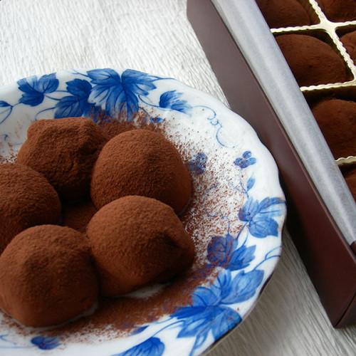 和菓子屋さんがまじめに作った 生チョコ餅 こころ 5粒入