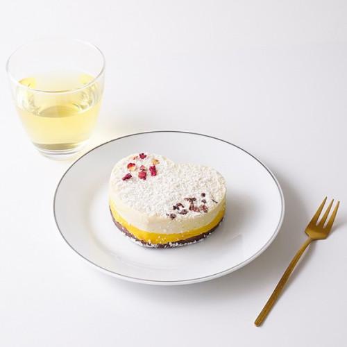 【2021 ホワイトデー】ハートのスノーホワイトショコラrawケーキ