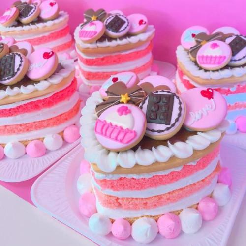 ハート型アイシングクッキーケーキ