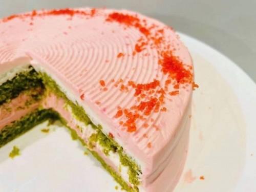 ヴィーガン抹茶桜ケーキ