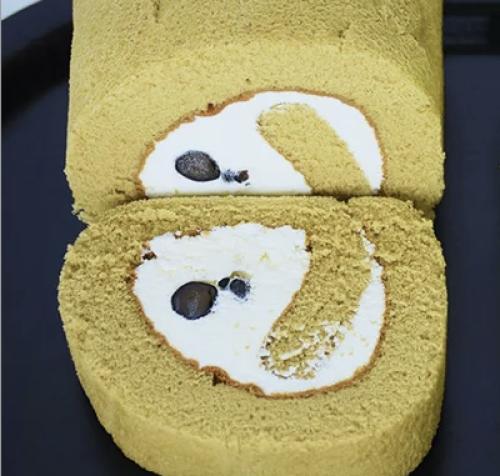 ほうじ茶黒豆ロールケーキ