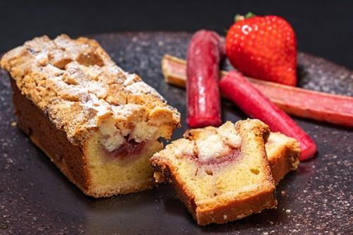 【Cake.jp×20個限定】ルバーブのココナッツ クランブルケーキ~Restaurant TOYO Tokyoの味をご自宅で~