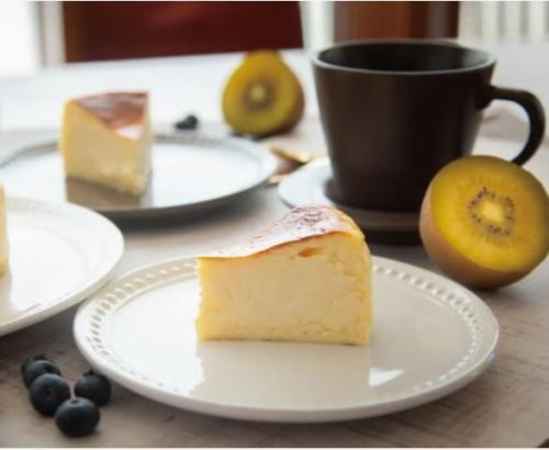 「しおバス」とけだすバスクチーズケーキ塩味 ホールケーキ 12cm