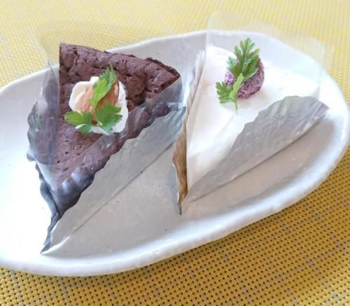 レアチーズケーキとガトーショコラのセット