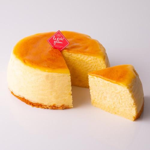 【イタリアントマト】3種チーズのスフレチーズケーキ  5号(15cm)