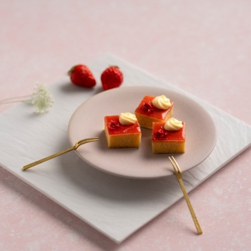 【KINEEL】CUTE CUBE CAKE ストロベリー 8個入 :93716