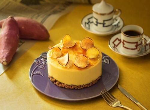 【京都祇園・洋菓子ぎをんさかい】【季節限定】さつまいもと黒胡麻のケーキ