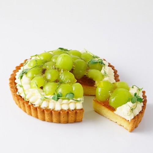 【SALON BAKE & TEA】シャインマスカットのタルト
