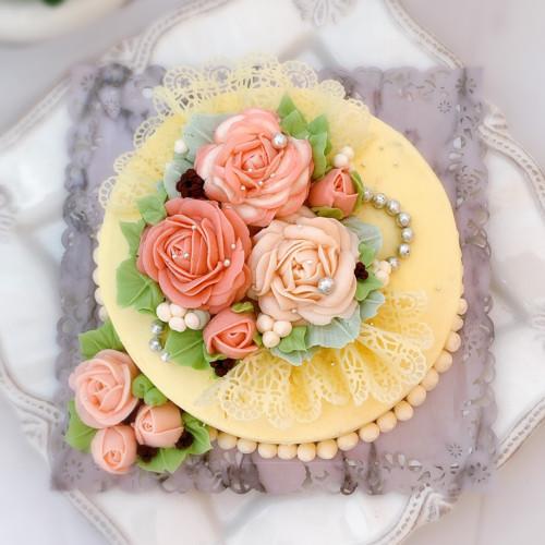 美しいチーズケーキ【アンティークレースとローズのケーキ 5号サイズ】