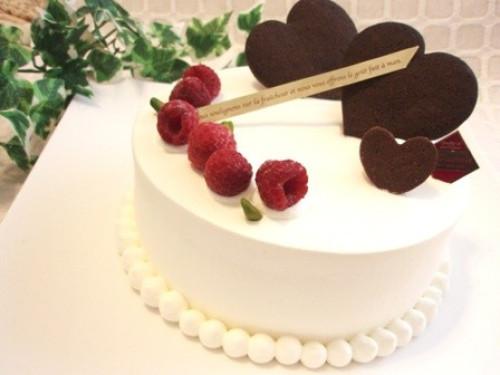 【糖質94%off!糖質制限・低糖質スイーツ】ラズベリーのバースデーケーキ 5号(15cm)