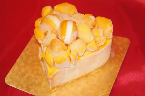 ごろごろマンゴーのアイスクリームデコレーションケーキ 5号 15cm